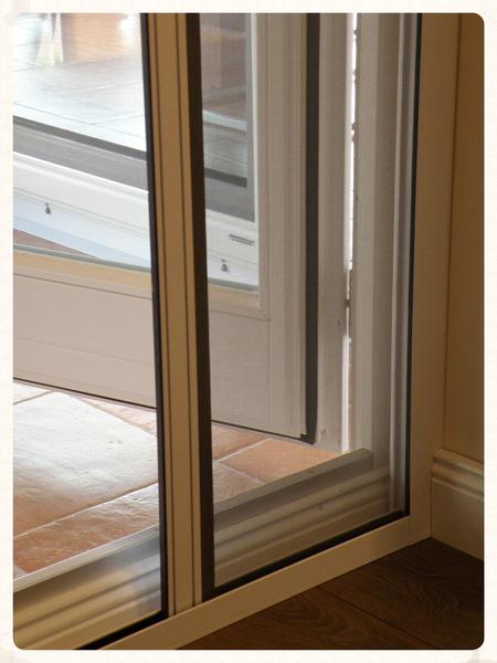insektenschutz holzner rollo vertikal und horizontal. Black Bedroom Furniture Sets. Home Design Ideas